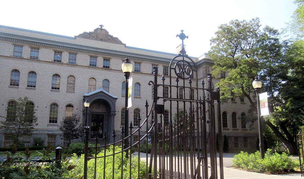 モントリオール市の修道会母院